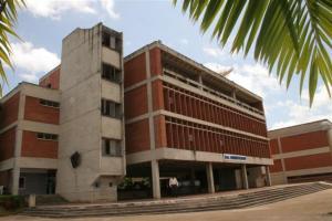 Edificio Administrativo UNEXPO Puerto Ordaz